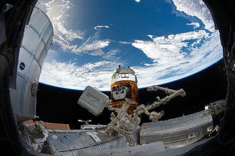 """马拉特•扎吉杜洛夫,前俄罗斯联邦国家杜马议员,喀山市政府官员,""""莫托维利欣斯基工厂""""机械制造控股公司的所有人,印度即时支付系统Qiwi Inida的投资人,持有该系统25%的股份。图片来源:NASA"""