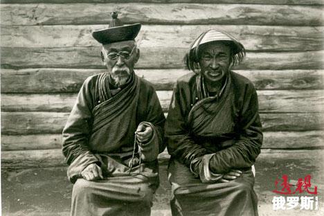 乌梁海(今图瓦)佛教徒,摄于1934年,藏于俄罗斯民族博物馆。来源:Press Photo