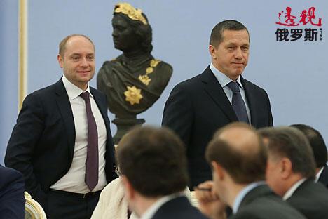 尤里·特鲁特涅夫与亚历山大·加鲁什卡。图片来源:Ekaterina Shtukina/俄新社