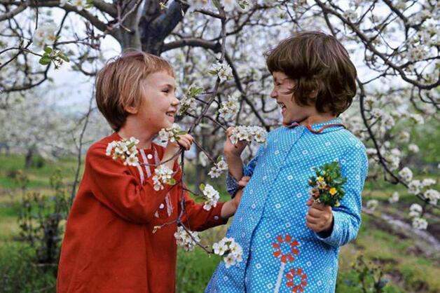 Spring conversation