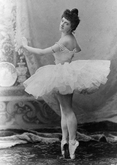 阿格里平娜·瓦岗诺娃。图片来源:俄新社