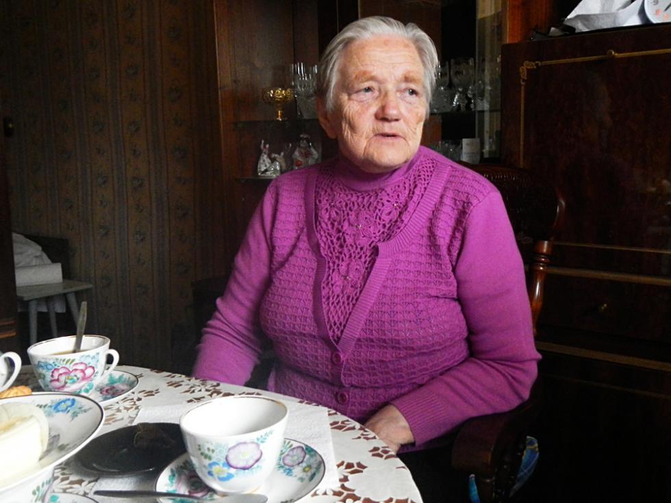吉娜伊达:出生在伊乔里亚人家庭。小时候恰好赶上战争时期,经历过德国占领和集中营的恐怖。做过很久的渔民,曾多次在海啸中命悬一线。摄影:Oleg Skripnik