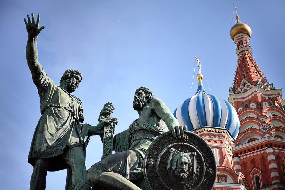 库兹马·米宁和德米特里·波扎尔斯基的纪念碑。图片来源:Lori / Legion-Media