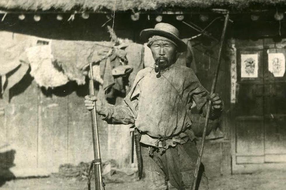 德尔苏·乌扎拉。