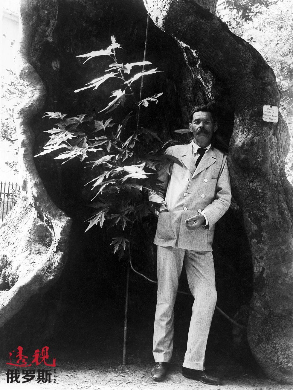1912年。马克西姆·高尔基在意大利。图片来源:塔斯社