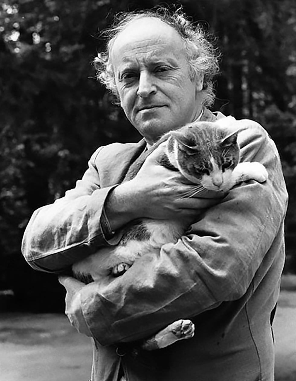 约瑟夫·布罗茨基与自己的猫。图片来源:iosif-brodskiy.ru