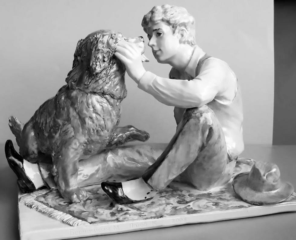 谢尔盖·叶赛宁与宠物狗。图片来源:esenin.ru