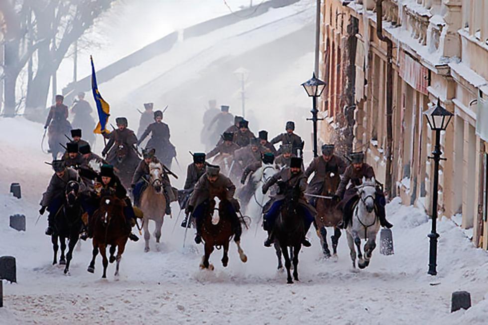 《白卫军》电影的镜头。图片来源:kinopoisk.ru