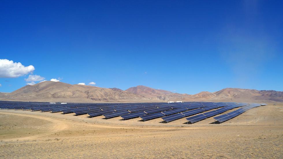 2014年,俄罗斯建成第一座太阳能发电站。图片来源:Press photo