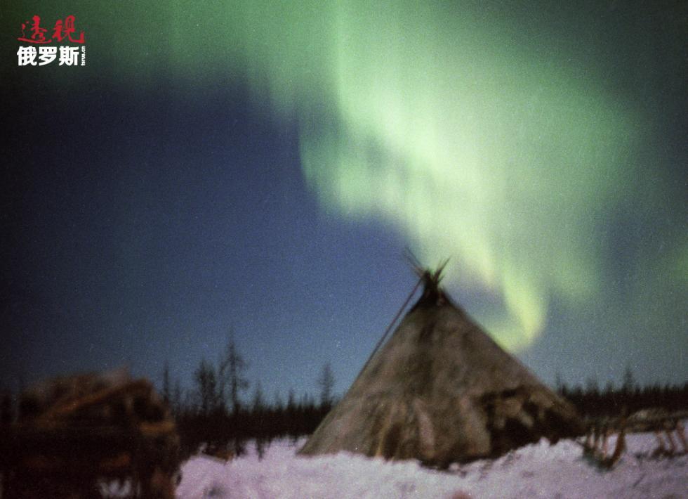 亚马尔-涅涅茨自治区的北极光。图片来源:Aleksey Kurbatov / 俄新社