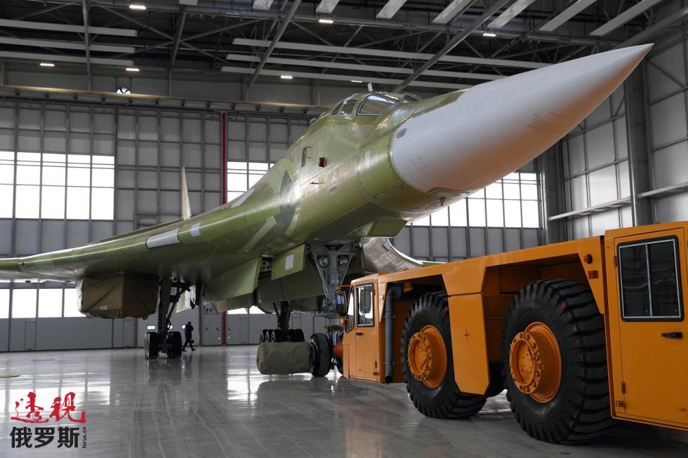 Tu-160M2战略轰炸机。 Iskander Asabaev / 俄新社