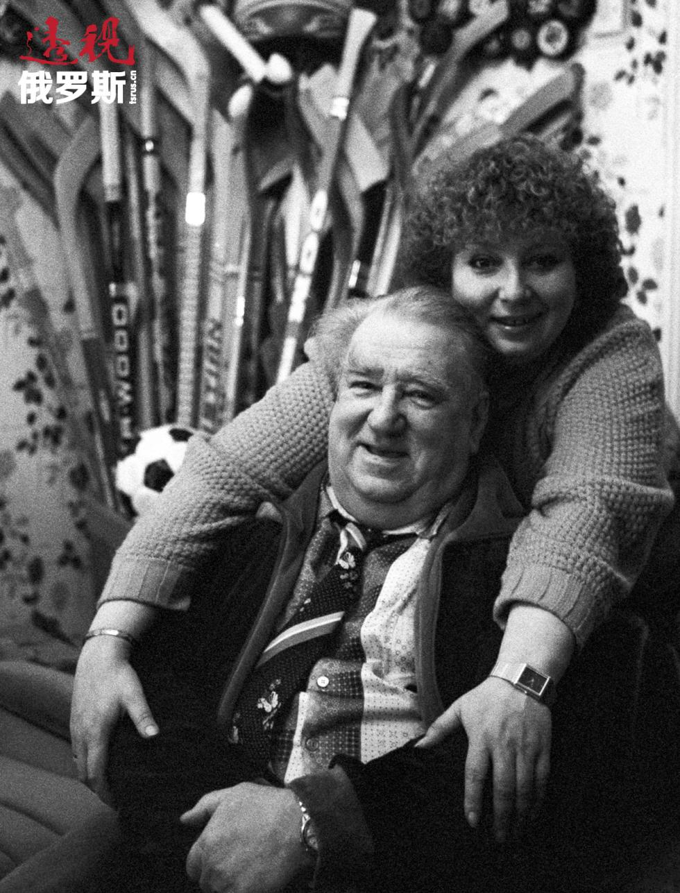 1987年,阿纳托利·塔拉索夫和他的女儿塔季扬娜·塔拉索娃。图片来源:Aleksandr Vilf/俄新社