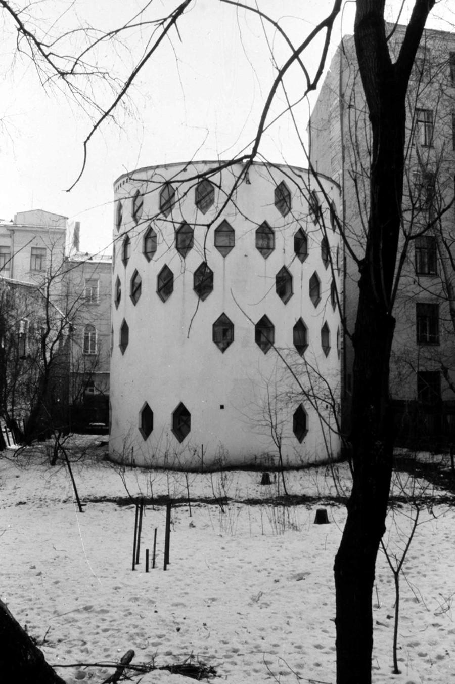 莫斯科梅尔尼科夫故居(1927)。图片:1984年图片来源:William Brumfield