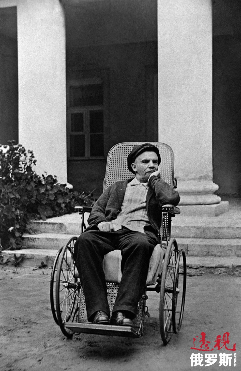 列宁在高尔基市,1923年。图片来源:塔斯社