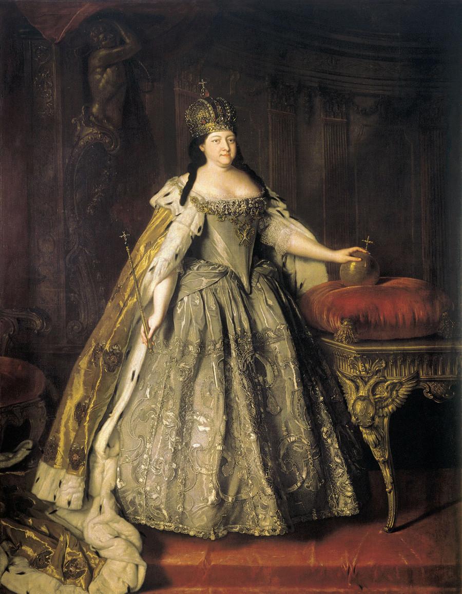 《女皇安娜•伊万诺夫娜肖像》,路易斯·卡拉瓦克(Louis Caravaque)。图片来源:State Tretyakov Gallery
