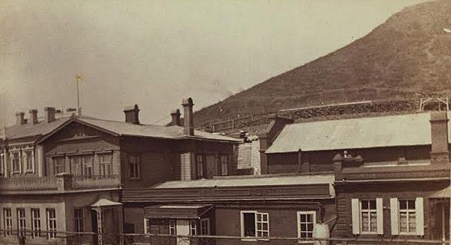 查尔斯与萨拉·斯密特之家。摄影:Eleanor Pray / 边界出版社(符拉迪沃斯托克)