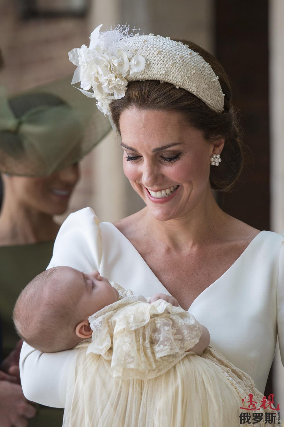 凯特王妃和路易王子。图片来源:AP
