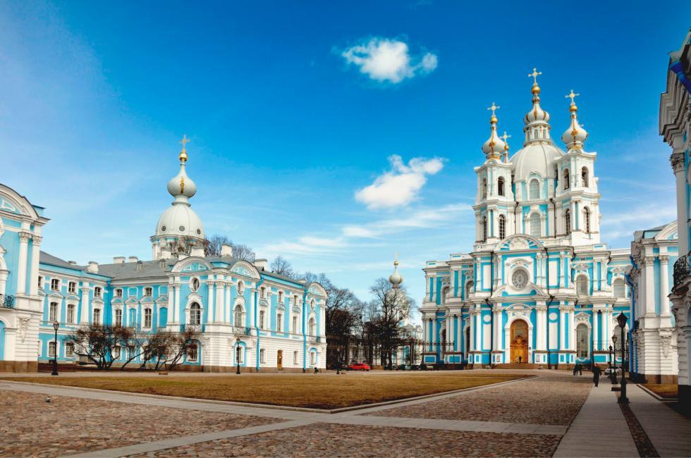 斯莫尔尼修道院。图片来源:NoPlayerUfa/Wikipedia