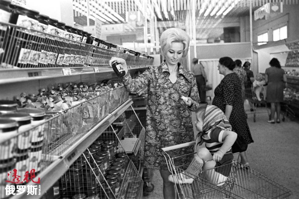 1971年,圣彼得堡超市。图片来源:V.Baranovsky / 俄新社