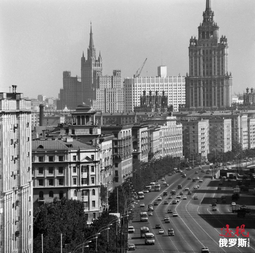 莫斯科库图佐夫大道。图片来源:Viktor Koshevoi / 塔斯社