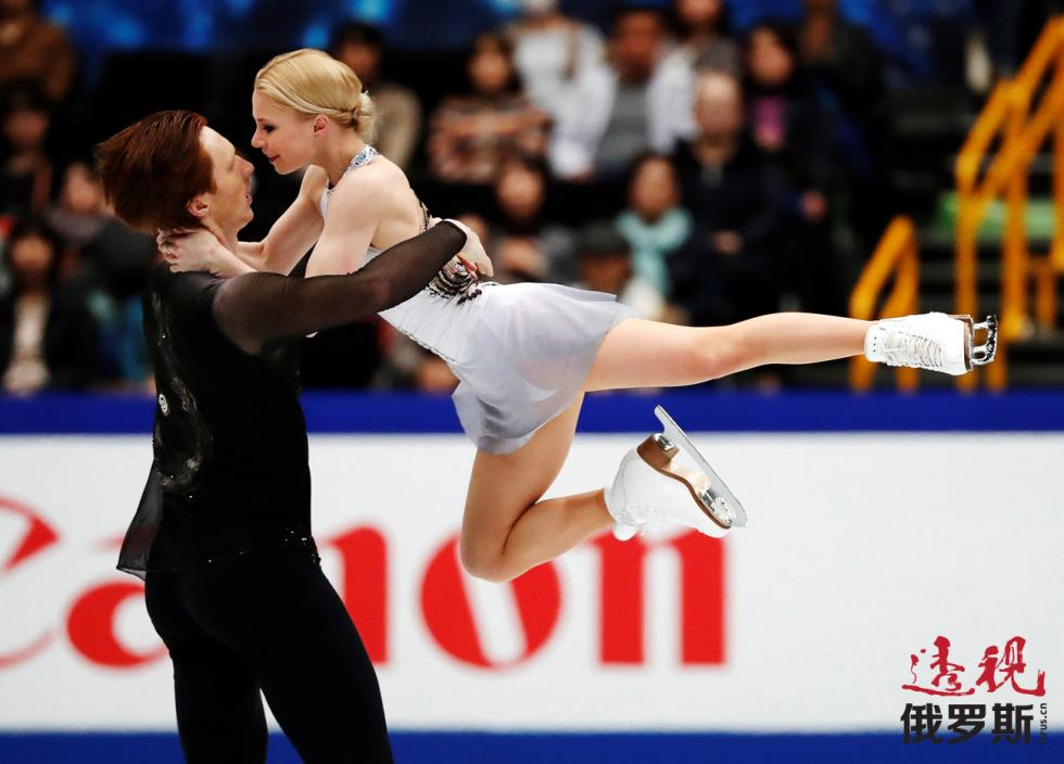 双人滑选手叶甫根尼娅·塔拉索娃和弗拉基米尔·莫洛佐夫。