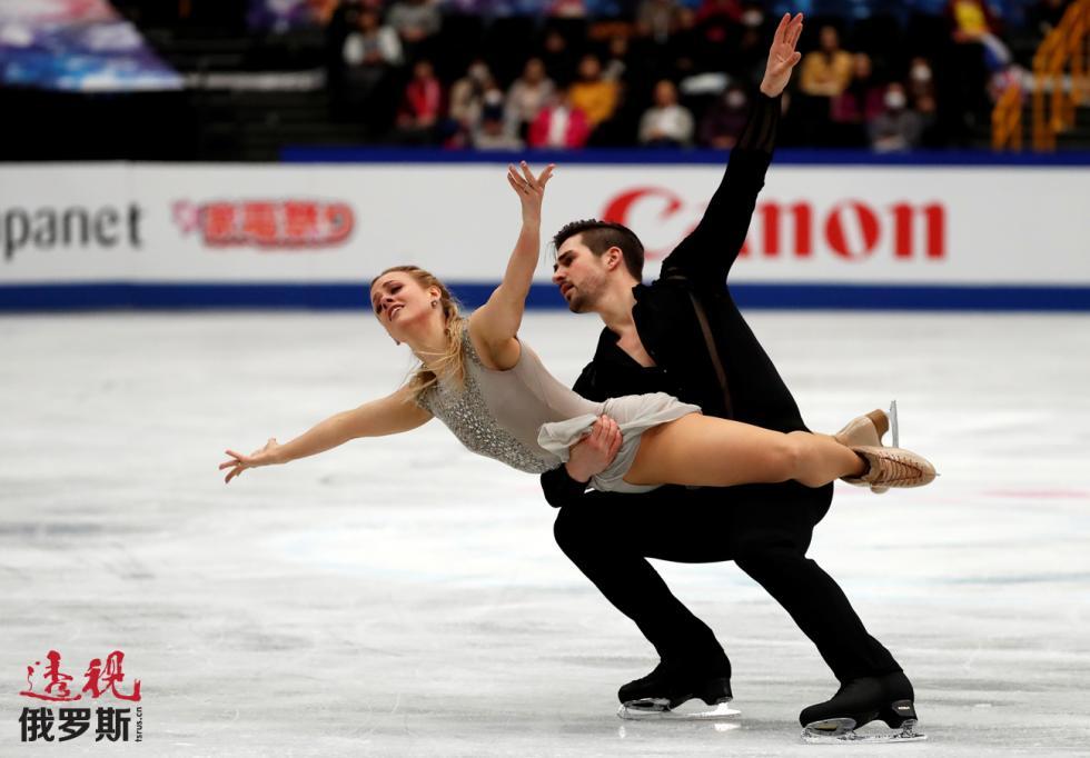 冰舞选手维多利娅·西尼岑娜和尼基塔·卡察拉波夫。