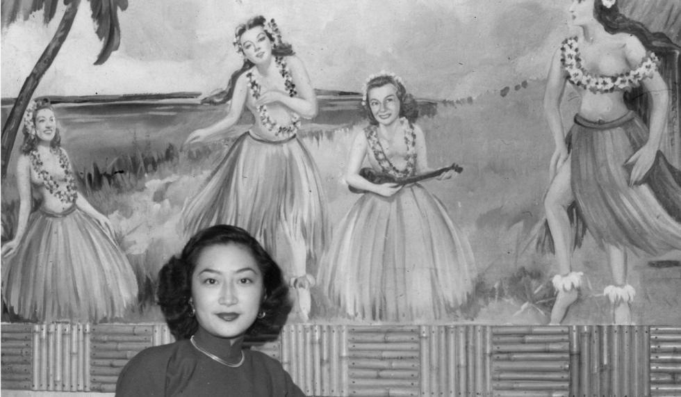 女性于爱埃令俱乐部(Airline Club),1949年。