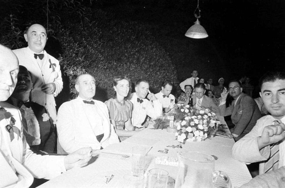 """""""上海小姐""""选美大赛的评委:维尔京斯基,萨孙,安德森(1940年)。"""