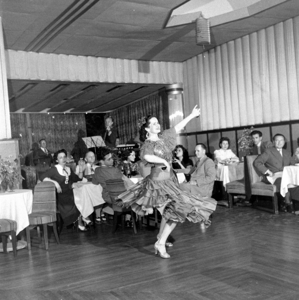俄罗斯餐厅,1949年。图片来源: Jack Birns, Life Magazine