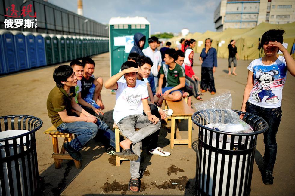 越南移居在莫斯科市场。图片来源:Zurab Djavahadze / 塔斯社