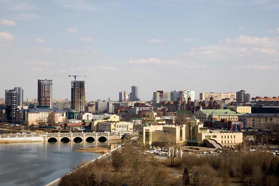 俄罗斯车里雅宾斯克市。摄影:Sergey Poteryaev