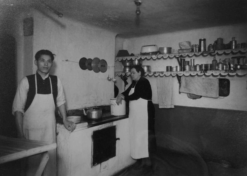 上海寄宿公寓中的厨房。图片来源:LSE Women's Library