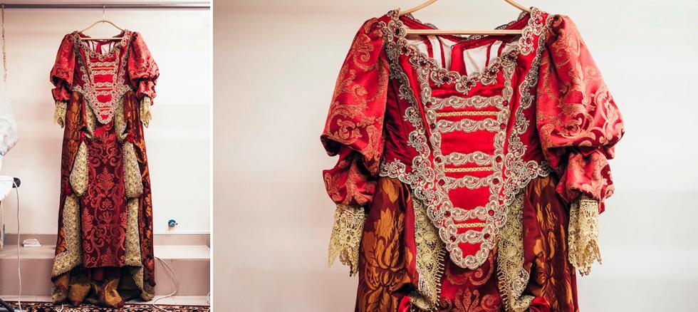 亚历山大·大仲马(Alexandre Dumas)的《年轻的路易十四》中奥地利的安妮服装。摄影:Mark Boyarsky