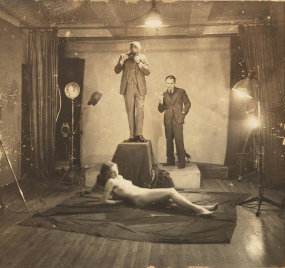 上海美术照相馆。模特为列昂尼德·斯克维尔斯基未来妻子卢拉·汤普森。图片来源:Southern Methodist University Digital Collections