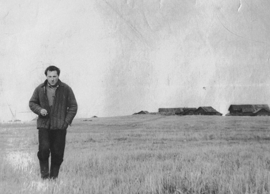 约瑟夫·布罗茨基在诺连斯卡亚村。图片来源:Joseph Brodsky Museum in Norinskaya