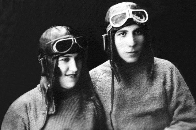 尼古拉·马特维耶夫大尉和妻子波林娜 / Press Photo
