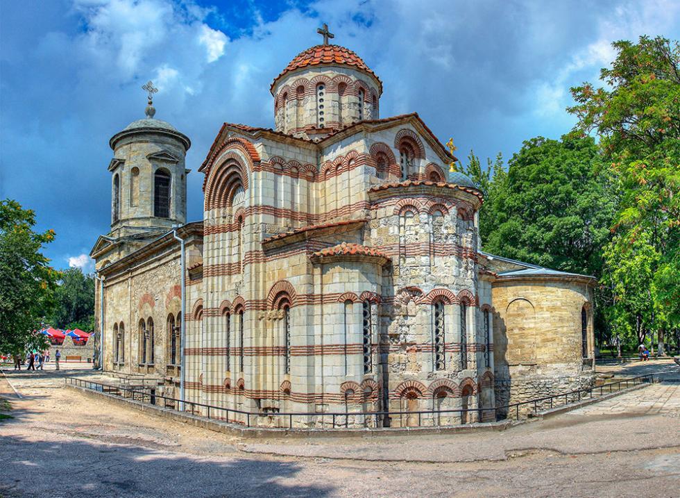 8世纪施洗者约翰教堂。图片来源:Sergey Ashmarin (CC BY-SA 3.0)