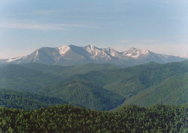 博鲁斯山。