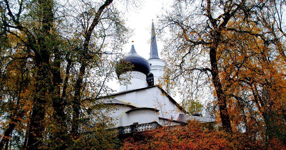 斯维亚托戈尔斯基修道院。图片来源:Pushkin state museum-reserve 'Mikhaylovskoye'