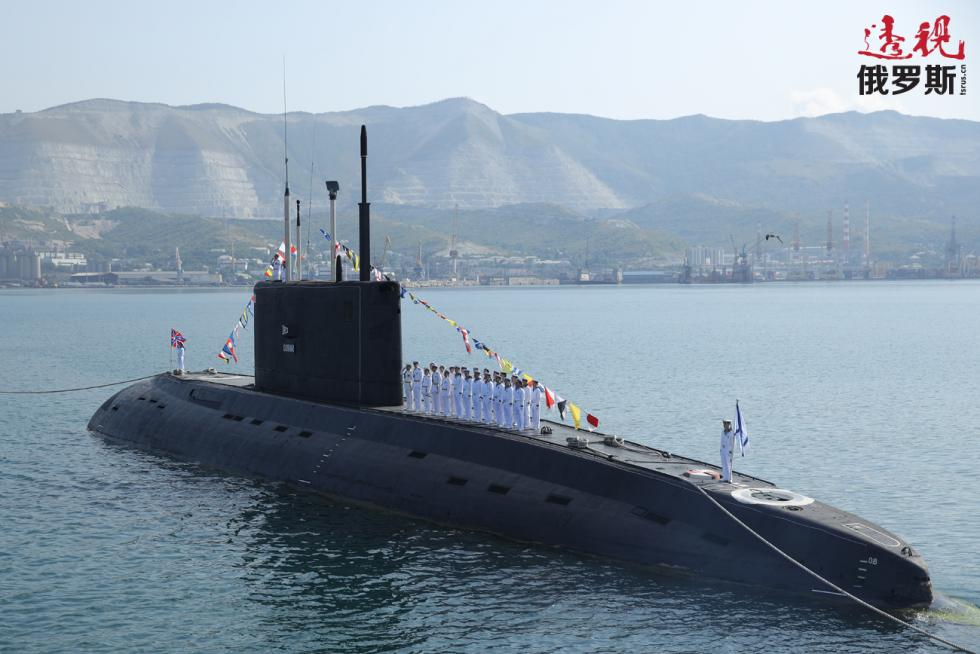 B-271科尔皮诺(Kolpino)号柴油电常规动力潜艇。图片来源:Aleksandr Galperin / 俄新社
