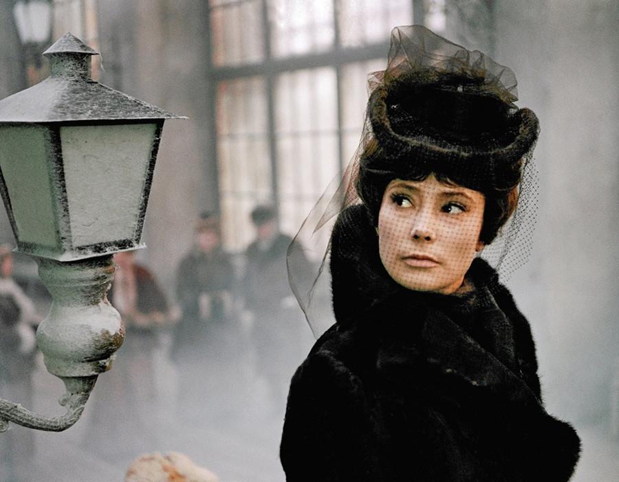 《安娜·卡列尼娜》电影中的镜头。图片来源:Aleksandr Zarkhiv/Mosfilm, 1967