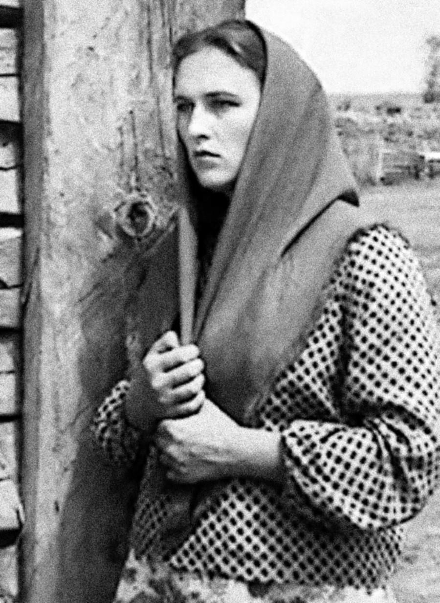 《亲戚》电影中的镜头。图片来源:Mikhail Schweitzer/Lenfilm, 1955