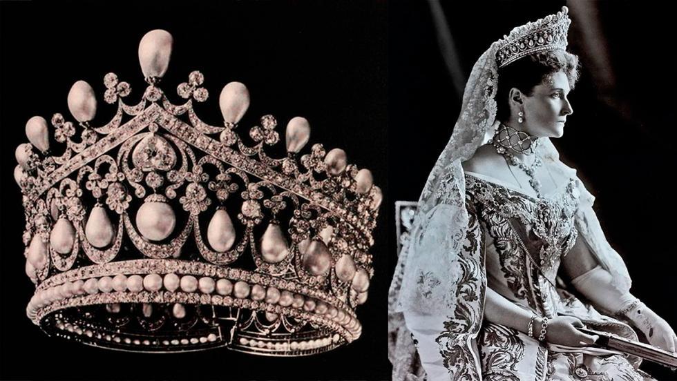 亚历山德拉·费奥多罗夫娜佩戴这顶王冠。公开来源
