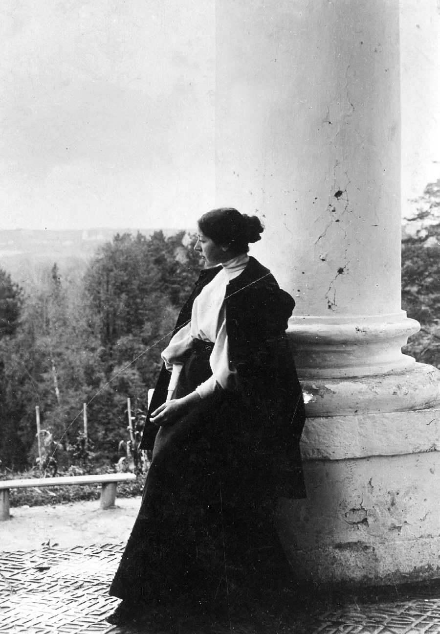 玛丽亚·亚昆奇科娃-韦贝尔,韦坚斯科耶,1897年。图片来源:特列季亚科夫画廊