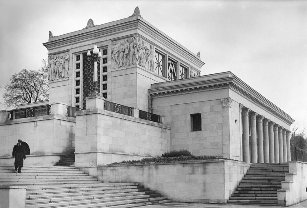 迪纳摩地铁站地面大厅,二十世纪30年代。图片来源:Naum Granovsky / 卢米埃尔兄弟摄影中心