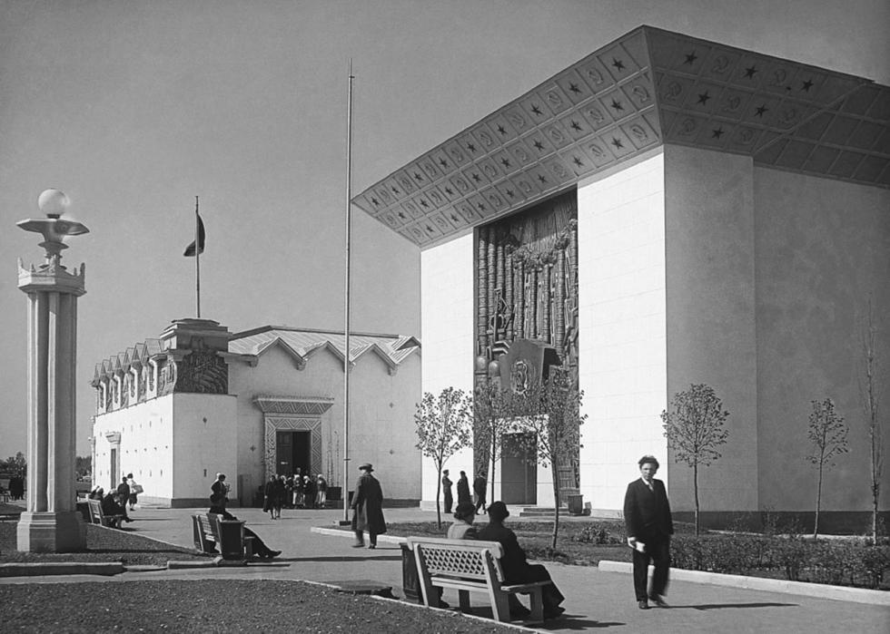 国民经济成就展览馆,俄罗斯苏维埃联邦社会主义共和国中部地区展馆。图片来源:Naum Granovsky / 卢米埃尔兄弟摄影中心