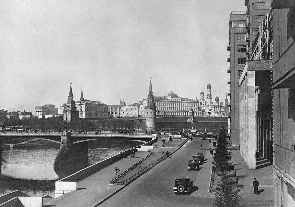 大石桥景观,二十世纪30年代末。图片来源:Naum Granovsky / 卢米埃尔兄弟摄影中心