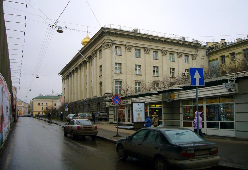 新大楼。图片来源:Leonid Dzhepko (CC BY-SA 2.5)