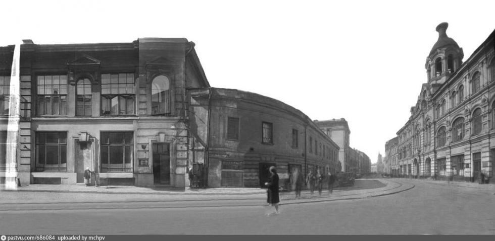 1934-1935年期间这座建筑的一处斜角。图片来源:Russian Museum Fund