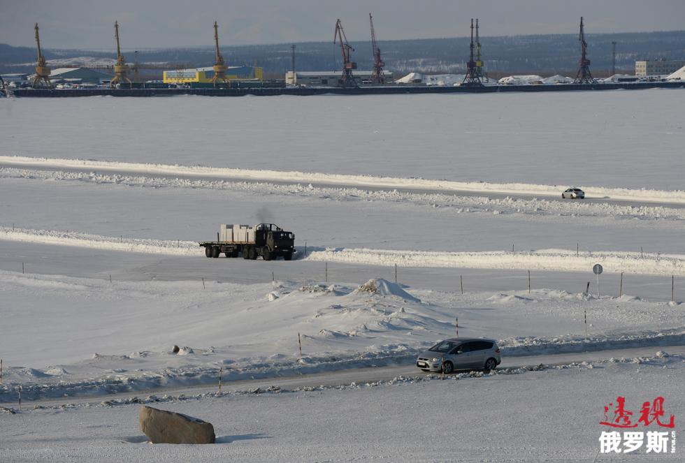 冬季的鄂毕河。图片来源:Maksim Blinov / 俄新社